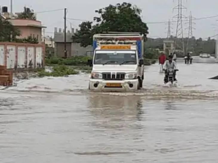 આગામી 3 દિવસ રાજ્યમાં ભારે વરસાદની આગાહી, કચ્છ અને ઉત્તર ગુજરાતમાં સીઝનનો માત્ર 15 ટકા જ વરસાદ થયો અમદાવાદ,Ahmedabad - Divya Bhaskar