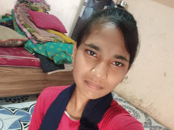 ફરિયાદ પાછી ખેંચી લેવાની ધમકી આપતાં બાવળાના રામનગરની યુવતીએ ફાંસો ખાઇ આપઘાત કરી લીધો|બાવળા,Bavla - Divya Bhaskar