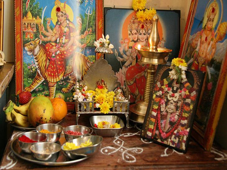 ઘરમાં ગણેશજીની 2, 4 કે 6ની સંખ્યામાં મૂર્તિઓ રાખી શકો છો, હનુમાનજીની એક જ મૂર્તિ રાખવી જોઇએ|ધર્મ,Dharm - Divya Bhaskar
