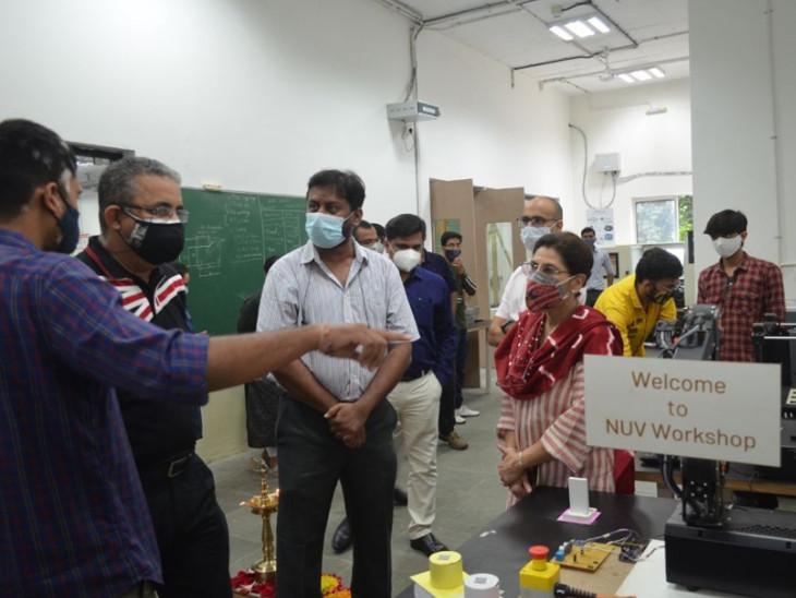 4 સંયુક્ત આર્ટિક્યુલેટિંગ આર્મ રોબોટ વિદ્યાર્થીઓને પ્રોગ્રામિંગ શિખવશે