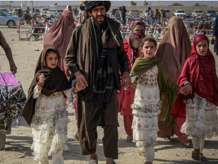 અફઘાનિસ્તાનના અનેક લોકો પાકિસ્તાન તરફ જઈ રહ્યા છે