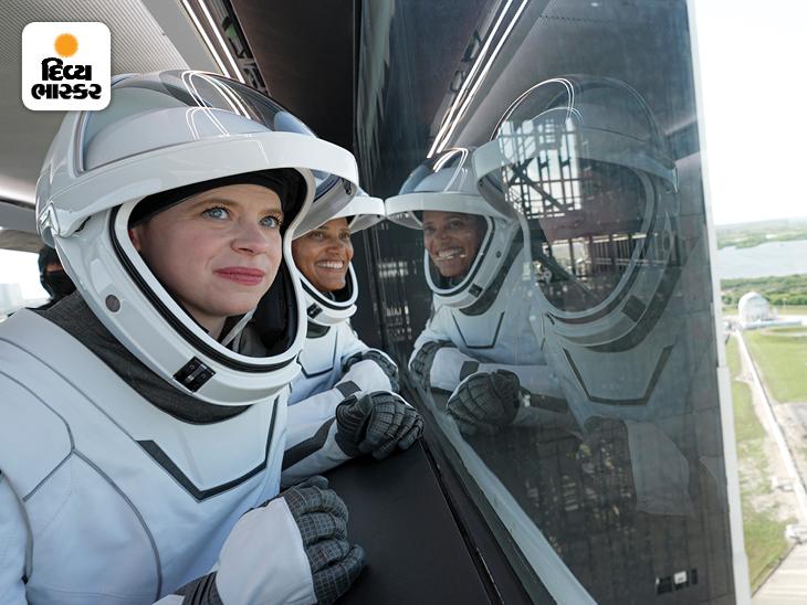 હેલી એક કેન્સર સર્વાઈવર છે. 29 વર્ષીય હેલી અવકાશમાં જનાર સૌથી નાની વયની યુવા અમેરિકન નાગરિક છે.