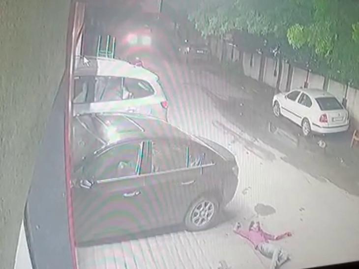 પોલીસે CCTV ફૂટેજ કબજે કર્યા હતા.