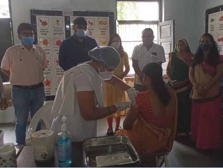 વડોદરા શહેર અને જિલ્લામાં આજે મેગા વેક્સિનેશનનું આયોજન કરાયું છે - Divya Bhaskar