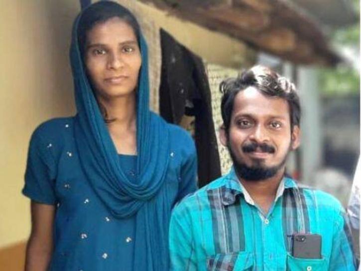 10 વર્ષથી ઘરમાં સંતાડીનેરાખેલીગર્લફ્રેન્ડ સાથે યુવકે લગ્ન કર્યા, પરિવારને આટલા વર્ષ સુધી કઈ ખબર નહોતી લાઇફસ્ટાઇલ,Lifestyle - Divya Bhaskar