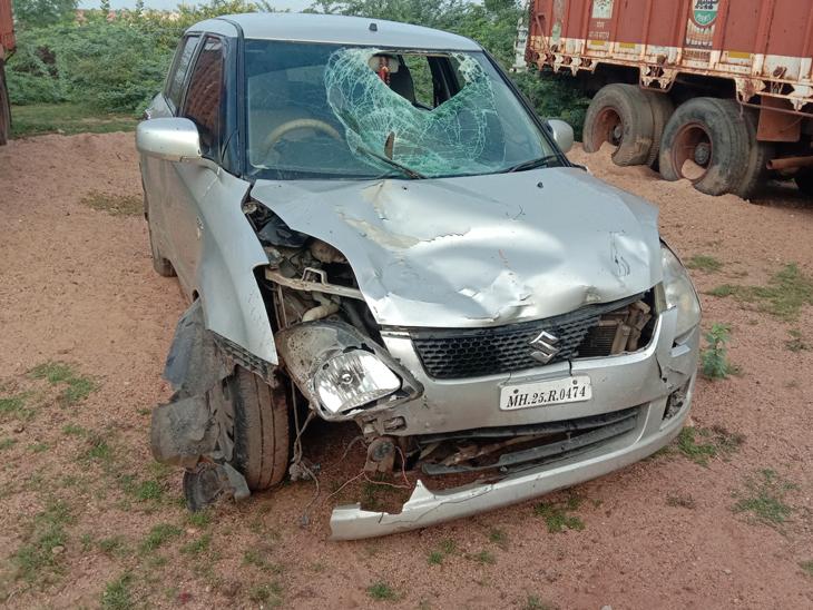 હળવદજીઆઈડીસી પાસેથીવિદેશીદારૂ ભરેલી કારનો ફિલ્મી ઢબે પીછો  કરીનેપોલીસેઝડપીપાડીહતી. - Divya Bhaskar