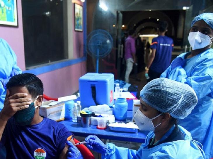 વેક્સિનેશન મામલે ગુજરાતની વધુ એક સિદ્ધિ, રાજ્યમાં 4 કરોડથી વધુ લોકોને વેક્સિનનો પ્રથમ ડોઝ અપાયો અમદાવાદ,Ahmedabad - Divya Bhaskar