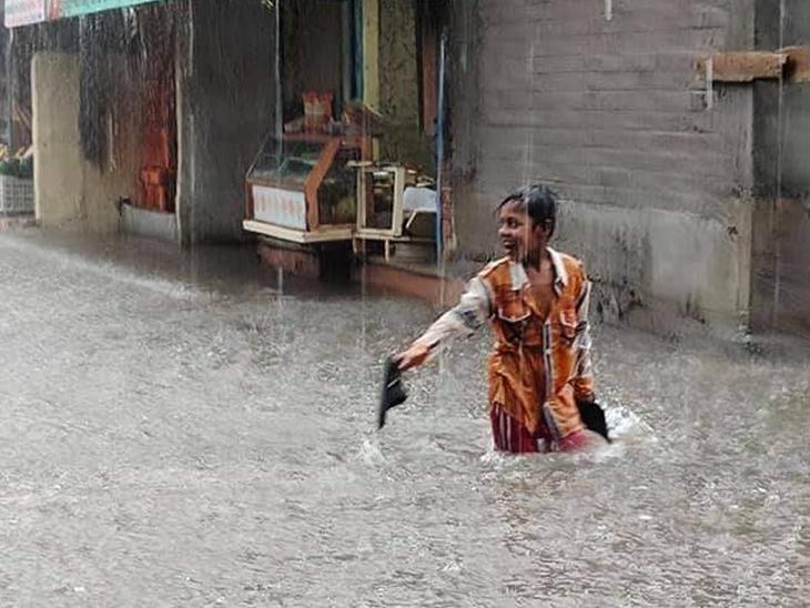 ગળતેશ્વરમાં પોણા ત્રણ અને માતરમાં 2 જ્યારે ખેડામાં માત્ર અડધો ઇંચ વરસાદ નડિયાદ,Nadiad - Divya Bhaskar