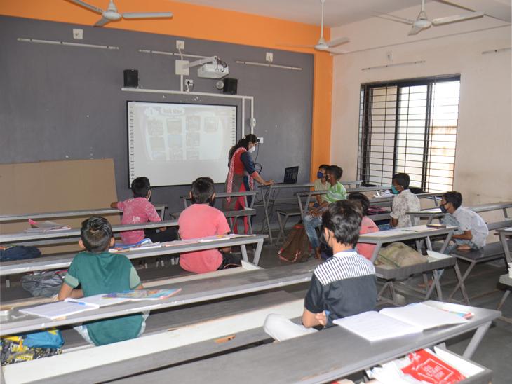 તહેવારોને મંજૂરી તો પ્રાથમિક શાળાને કેમ નહીં, ધોરણ 1થી 5ના વર્ગો શરૂ કરવા મ્યુનિસિપલ શાળાના શિક્ષકોની માગ અમદાવાદ,Ahmedabad - Divya Bhaskar