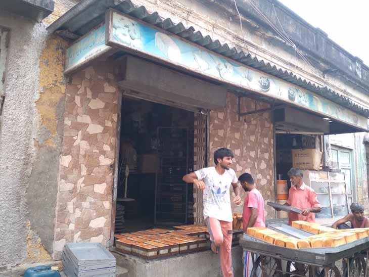 પોરબંદરમાં 2 બેકરી ધારક સામે કાર્યવાહી, 4 હજારનો દંડ ફટકાર્યો પોરબંદર,Porbandar - Divya Bhaskar