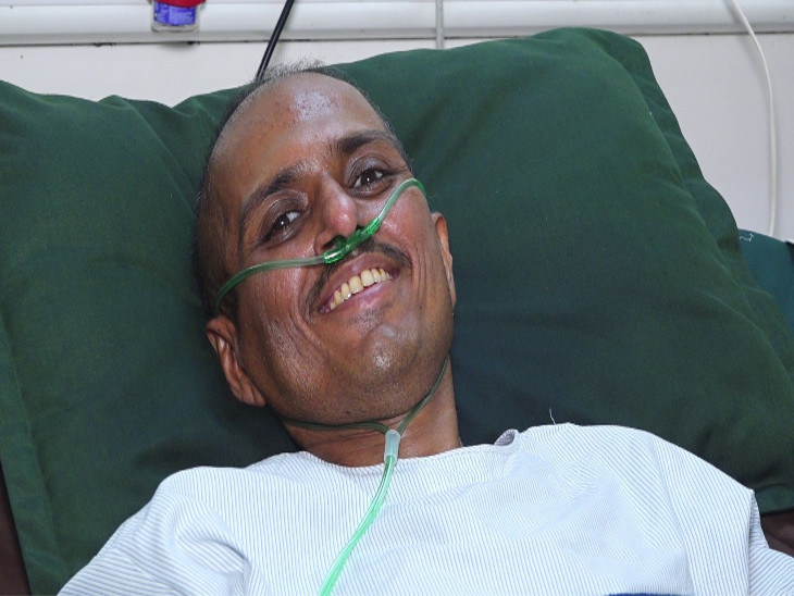 રાજકોટમાં ફેફસામાં 100% ઈન્ફેક્શન, 60% ઑક્સિજન સાથે 3 મહિના વેન્ટીલેટર પર, 144 દિવસ યુવક કોરોના સામે લડ્યો, જિંદગી જીતી|રાજકોટ,Rajkot - Divya Bhaskar