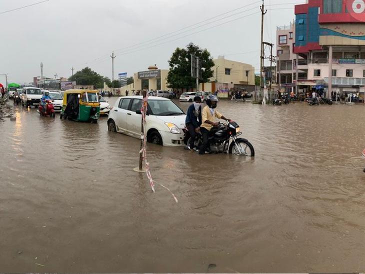 100 વર્ષના ઇતિહાસમાં સપ્ટેમ્બરમાં આ વર્ષે બીજા ક્રમનો સૌથી વધુ વરસાદ પડ્યો|અમદાવાદ,Ahmedabad - Divya Bhaskar