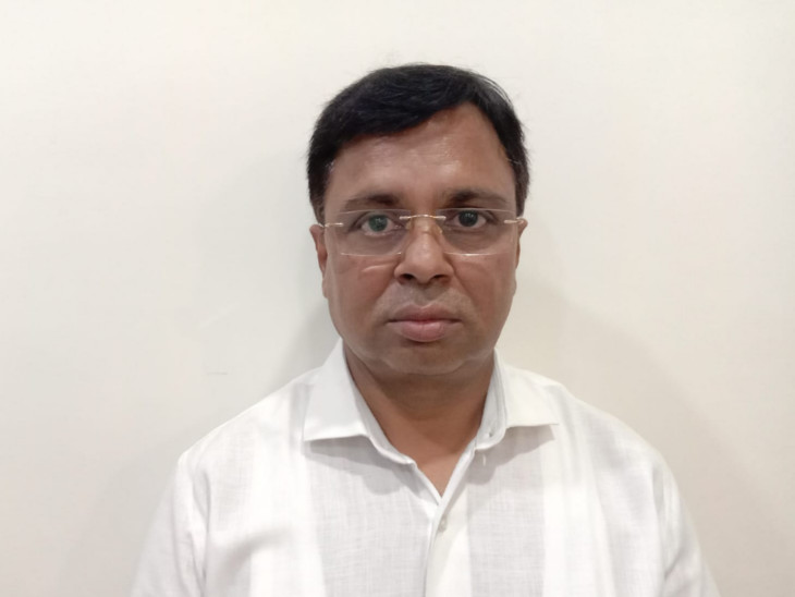 વડોદરા હાઈ પ્રોફાઇલ દુષ્કર્મ કેસમાં હાર્મની હોટલના માલિક કાનજી મોકરિયાએ પીડિતા સાથે સમાધાનના પ્રયાસો કર્યા, રાજુને ભગાડ્યો|વડોદરા,Vadodara - Divya Bhaskar