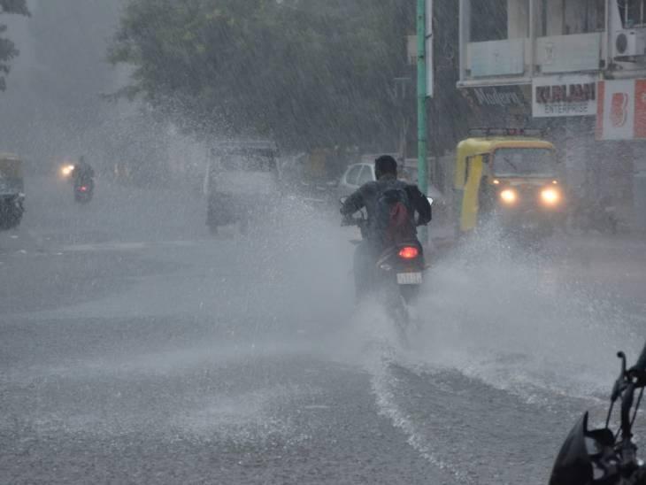 ગુજરાતમાં છેલ્લાં 10 વર્ષમાં આ સપ્ટેમ્બરમાં રેકોર્ડબ્રેક 17 ઇંચ વરસાદ થયો, સીઝનનો 52 ટકા વરસાદ માત્ર 29 દિવસમાં વરસ્યો|અમદાવાદ,Ahmedabad - Divya Bhaskar