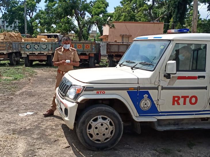 આર.ટી.ઓ.એ ડીટેઇન કરેલા વાહનો - Divya Bhaskar