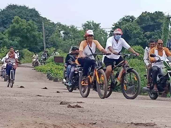 ઝિંક કારખાના સામે વિરોધ દર્શાવવા માટે નીકળેલી સાયકલ યાત્રા. - Divya Bhaskar