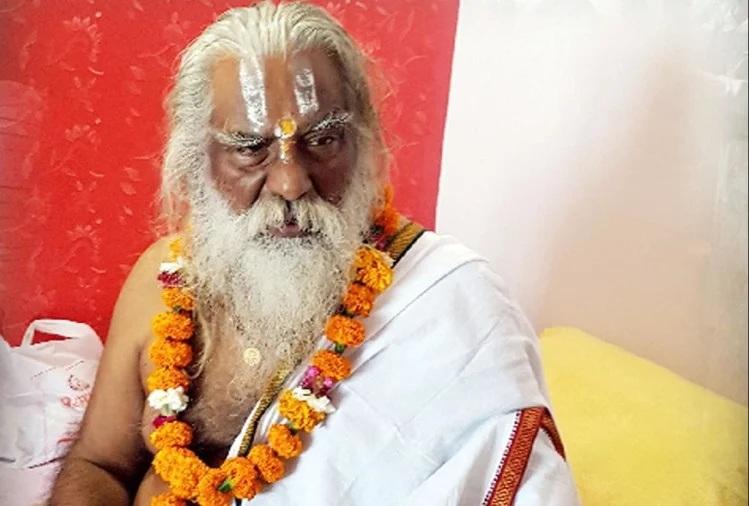 મહંત નૃત્ય ગોપાલદાસને હોસ્પિટલમાં દાખલ કરવામાં આવ્યા છે. - Divya Bhaskar