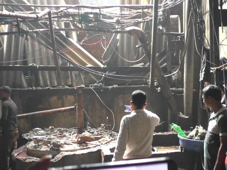 પલસાણાના ગુજરાત ઇકો પાર્કમાં રતનપ્રિયા ડાઇંગ એન્ડ પ્રિન્ટિંગ મિલમાં ટાંકી ફાટતા સર્જાયેલી તબાહી. - Divya Bhaskar
