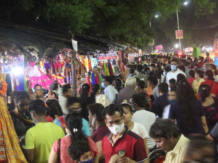 નવરાત્રિ પહેલાના છેલ્લા રવિવારે લૉ-ગાર્ડન ખાતે 5 લાખના ચણિયાચોળીનું વેચાણ|અમદાવાદ,Ahmedabad - Divya Bhaskar
