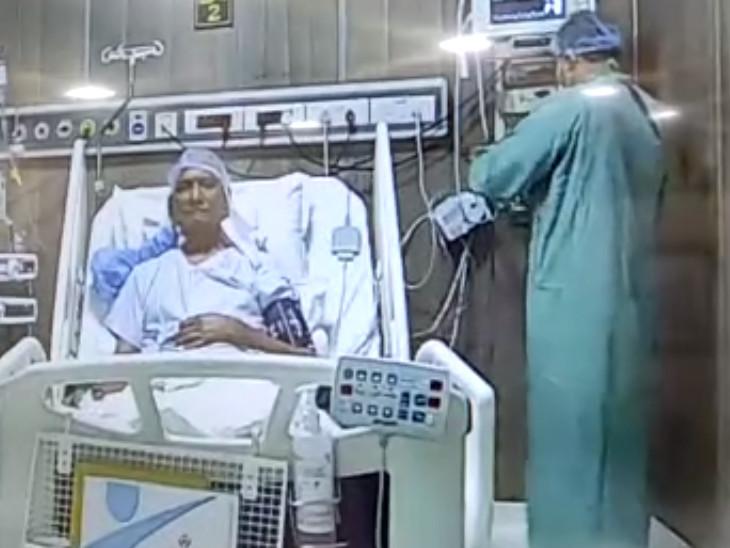 ડોક્ટર રવિ મોહન્કા અને તેમની ટીમે સાંજના 6 વાગ્યાથી લઈને મધરાતના 3 વાગ્યા સુધી ઓપરેશન ચાલ્યું હતું.
