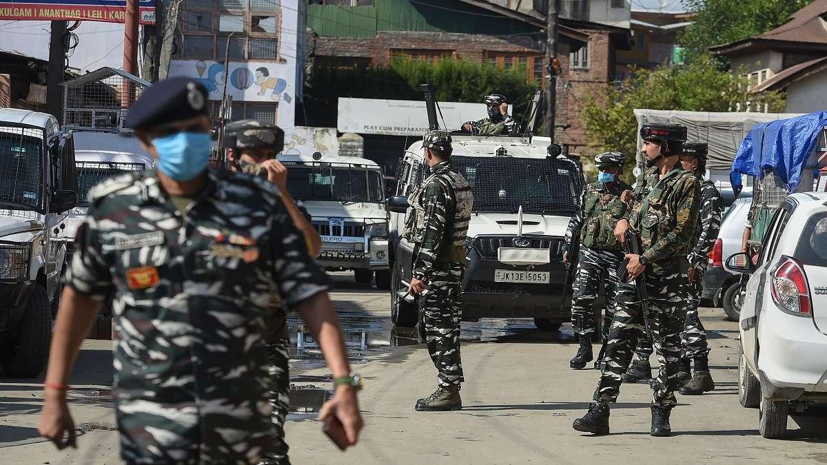 સરકારે કાશ્મીરી પંડિતોની સંપત્તિઓ પરથી કબજો હટાવવાનું અભિયાન શરૂ કર્યું છે. (ફાઈલ ફોટો) - Divya Bhaskar