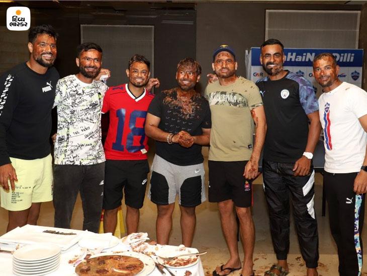 દિલ્હી કેપિટલ્સે સોમવારે IPL 2021ની 50મી મેચને ચેન્નઈ સુપરકિંગ્સને 2 બોલ પહેલા 3 વિકેટથી હરાવી જીતી લીધી હતી. ઉલ્લેખનીય છે કે રિષભ પંતનો જન્મ દિવસ પણ ત્યારે જ હતો.