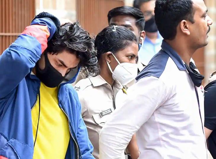 આર્યન સહિત આઠ આરોપી 14 દિવસની જ્યુડિશિયલ કસ્ટડીમાં, જામીન અરજી પર આવતીકાલે 11 વાગે સુનાવણી થશે બોલિવૂડ,Bollywood - Divya Bhaskar