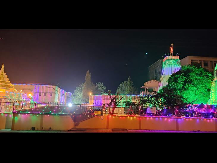 અગાસીમાતાનું મંદિર - Divya Bhaskar