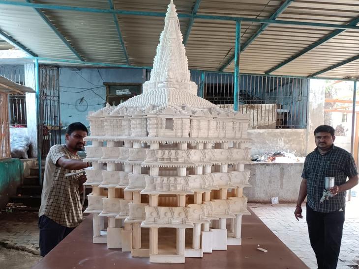 ફોટા જોઇને દ્વારકાધીશનાં મંદિરનું નિર્માણ કર્યું