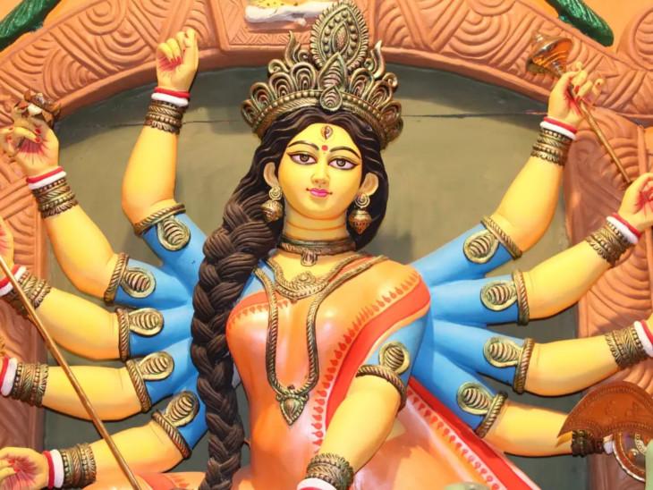 આજે બપોરે 2.12 કલાકે દેવી પૂજા માટે શુભ મુહૂર્ત રહેશે, ત્રેતાયુગથી આઠમ તિથિએ દેવી મહાપૂજાની પરંપરા ચાલી રહી છે|ધર્મ,Dharm - Divya Bhaskar