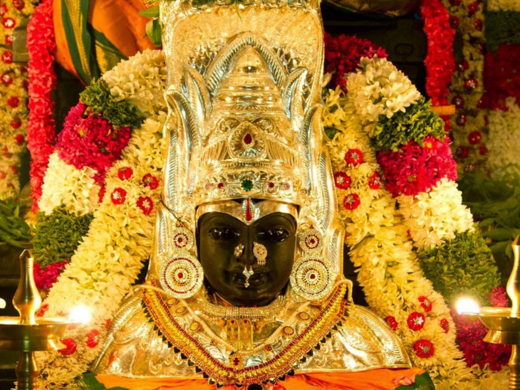 કન્યાકુમારીમાં ત્રણ હજાર વર્ષ જૂનું શક્તિ મંદિર; અહીં દેવીએ સમુદ્રમાં શૃંગાર ધોયો હતો, એટલે પાણી રંગીન છે|ધર્મ,Dharm - Divya Bhaskar