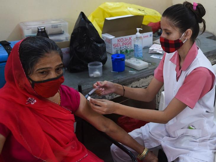 તમામ શહેરીજનોને રસી આપવાના હેતુથી રસીકરણ વધારી દેવામાં આવ્યું છે(ફાઈલ તસવીર) - Divya Bhaskar