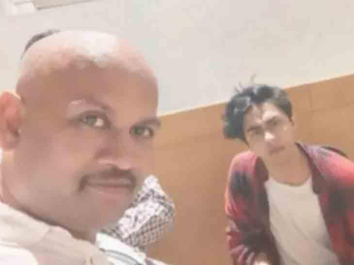 NCBના સાક્ષી અને આર્યન ખાન સાથે સેલ્ફી લેનારા કેપી ગોસાવી વિરુદ્ધ લુકઆઉટ નોટિસ, દેશ છોડીને જઈ શકશે નહીં|બોલિવૂડ,Bollywood - Divya Bhaskar