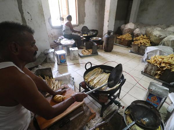 શહેરમાં ફાફડા-જલેબીના 10 હજારથી વધુ કાઉન્ટર ઊભાં થશે. - Divya Bhaskar