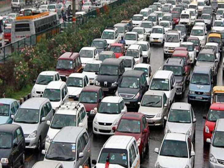 ચિપની અછતથી પેસેન્જર વાહનોના હોલસેલ વેચાણને અસર, વાર્ષિક ધોરણે 41%નો ઘટાડો બિઝનેસ,Business - Divya Bhaskar