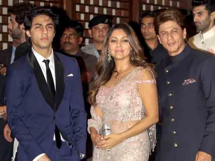 SRKની આર્યન માટે નવી ગાઇડલાઇન, જેલમાંથી છૂટ્યા બાદ 3 મહિના ઘરમાં જ બંધ રહેશે, પાર્ટી પણ નહીં કરી શકે બોલિવૂડ,Bollywood - Divya Bhaskar